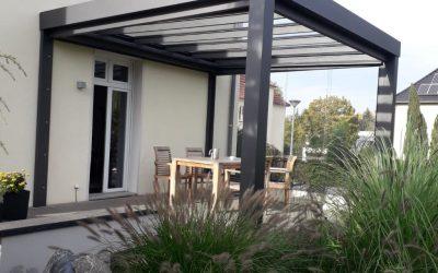 Ein Solarlux Acubis Terrassendach entsteht in Cottbus